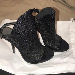 Balenciaga- glove black sparkle- like new!!!